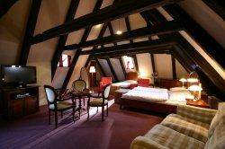 hotel_utribubnu_attic.jpg [1000 x 666]