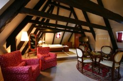 hotel_utribubnu_attic1.jpg [1000 x 666]